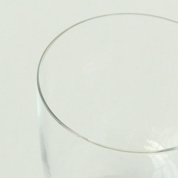 美味しさ感じる薄いグラス縁