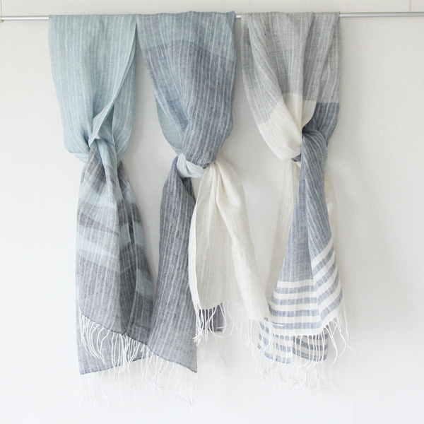 「南風(ぱいかじ)」は3種類の品揃えがあります(左より、波、グラデーション、青と白)
