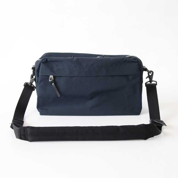 WEEKEND SHOULDER DARK NAVY