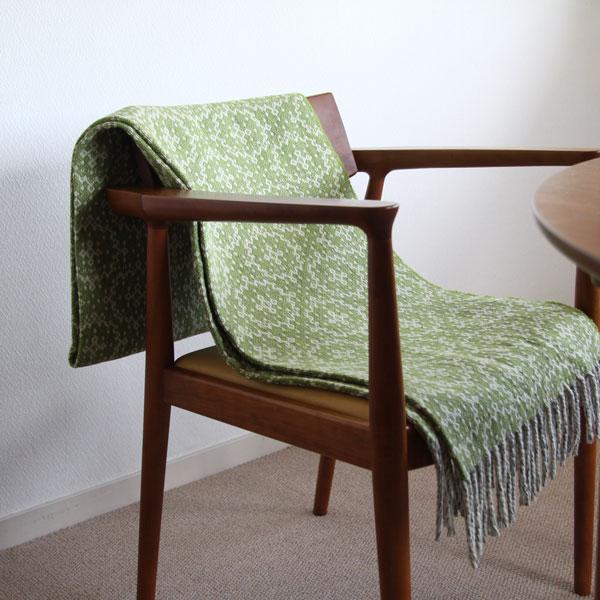 椅子やソファにかけて、インテリアのアクセントに(グリーン)