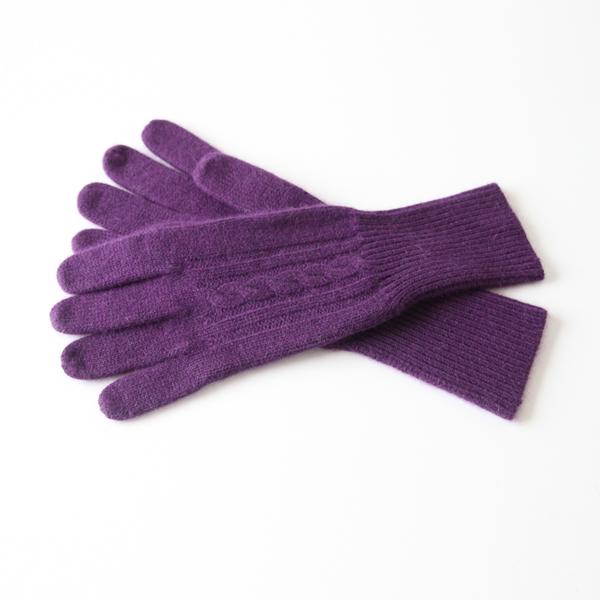 女性用の綺麗なニット手袋