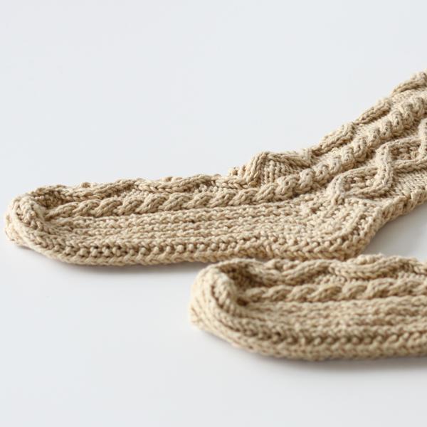 綺麗なケーブル編み