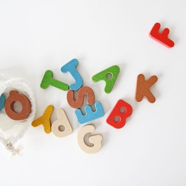 可愛いアルファベットのブロック