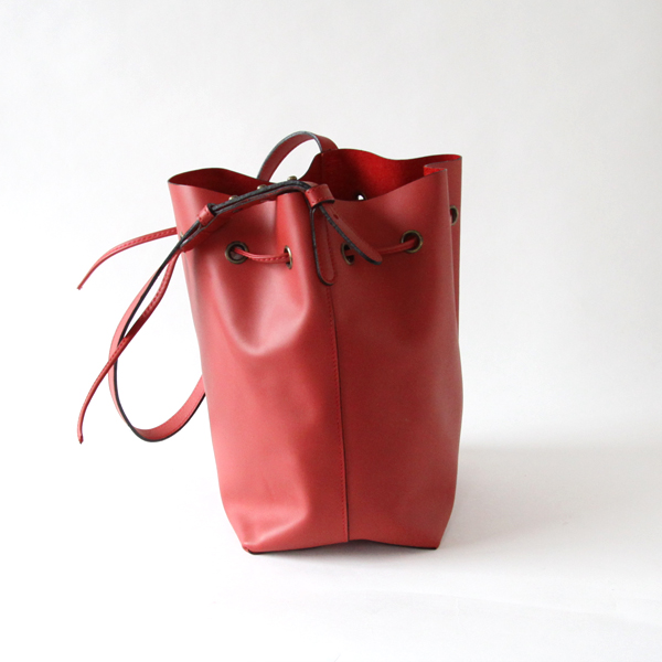 Austen/Bucket Bag/Matt Leather/Red