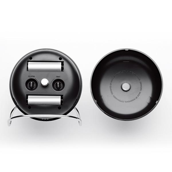 単三電池2本(参考:Table Clock Station)