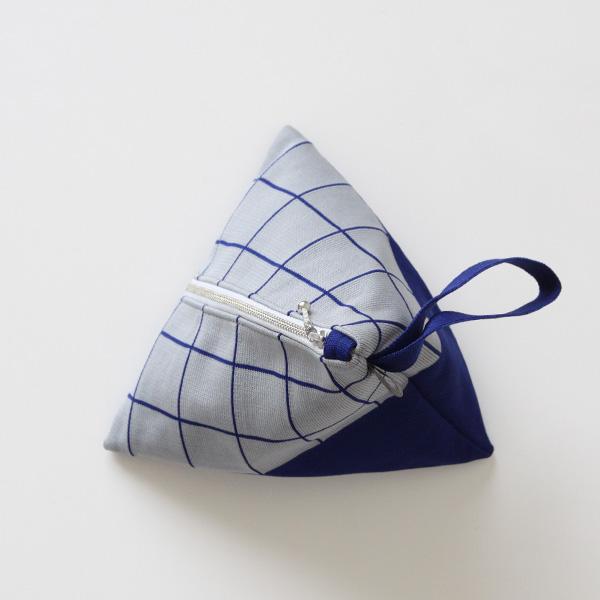 チェックアモッサポーチ(38 BLUE)
