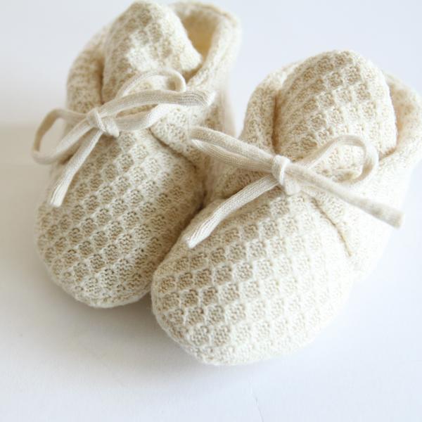 大切な赤ちゃんに使ってもらいたいという思いから作られたファーストシューズ
