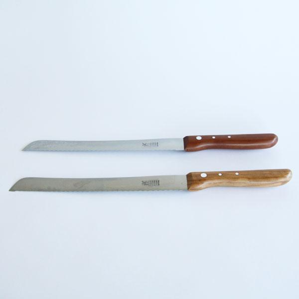 ブレッドナイフ(写真 手前:プラムウッド、奥:オリーブウッド)
