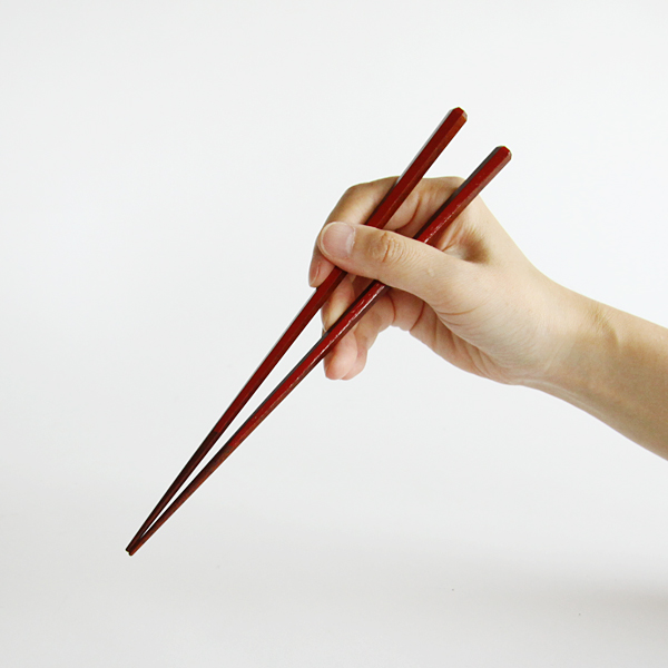 使いやすさと持ちやすさを追求した六角箸