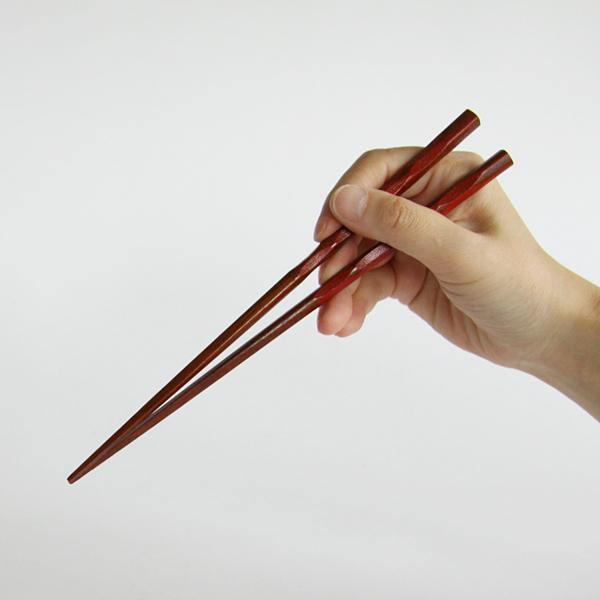 手に馴染みやすく、美しいお箸