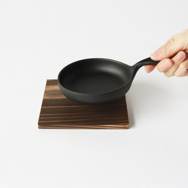 鍋敷きとミニパン(小)