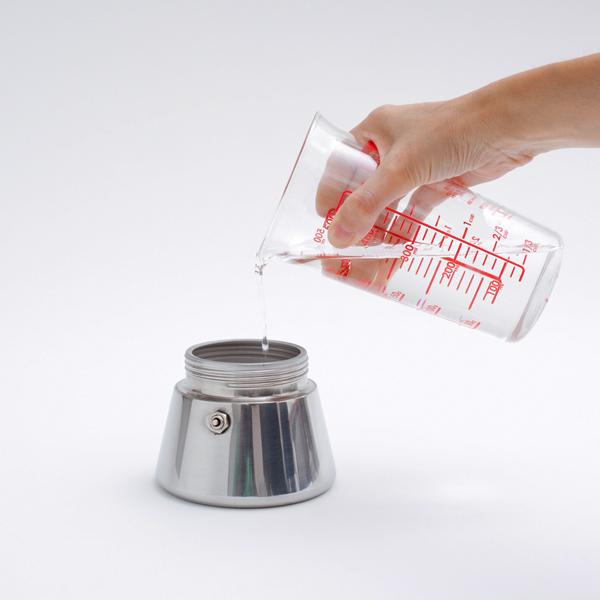 水を直接タンクに入れて、