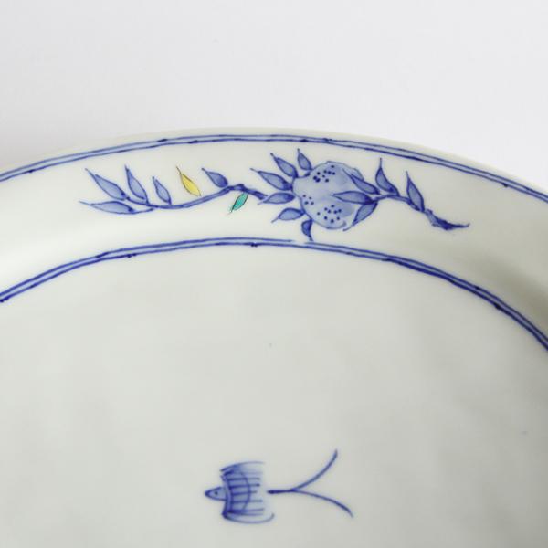 つばめの愛らしい姿が描かれた「つばめ皿」