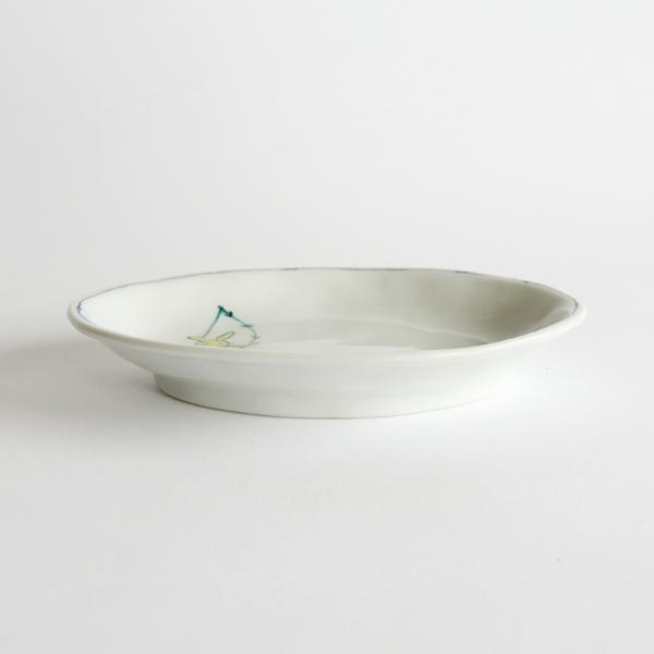 丸みのある小ぶりなお皿
