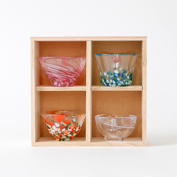 木箱は立てて置き、飾り棚としてもお使い頂けます