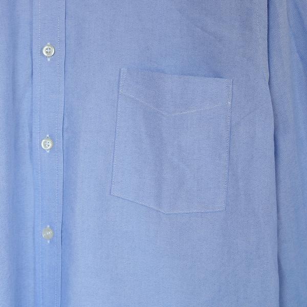 左胸のポケット(※詳細画像は別色のOXFORD LT.BLUE)