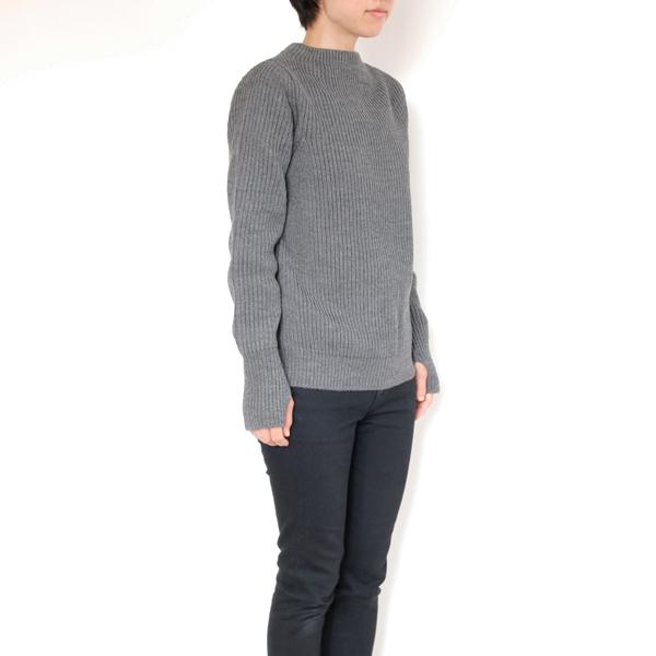 サイズ参考 女性モデル身長:157cm、XXSサイズ着用(日本のレディースSサイズ相当)