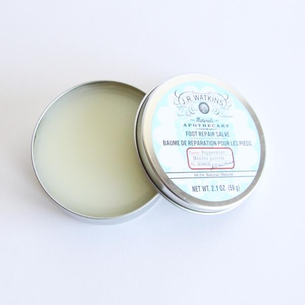 ペパーミントの心地良い香りの保湿バームです