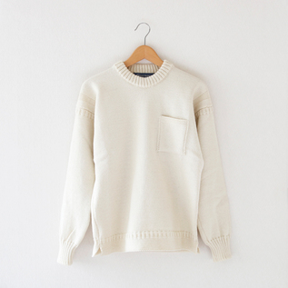 MEN CREW NECK SWEATER WITH POCKET