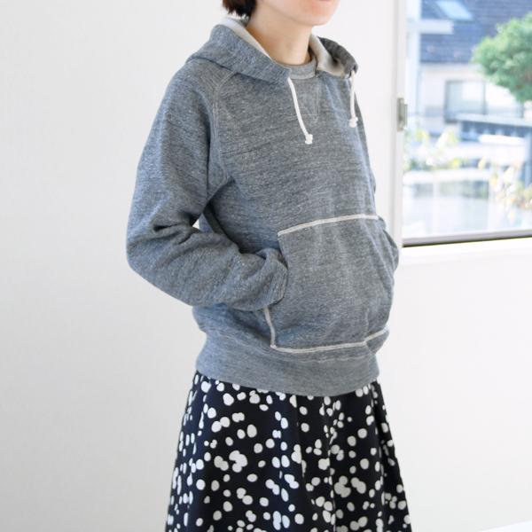 女性着用イメージ(モデル身長:163cm、着用サイズ:S)