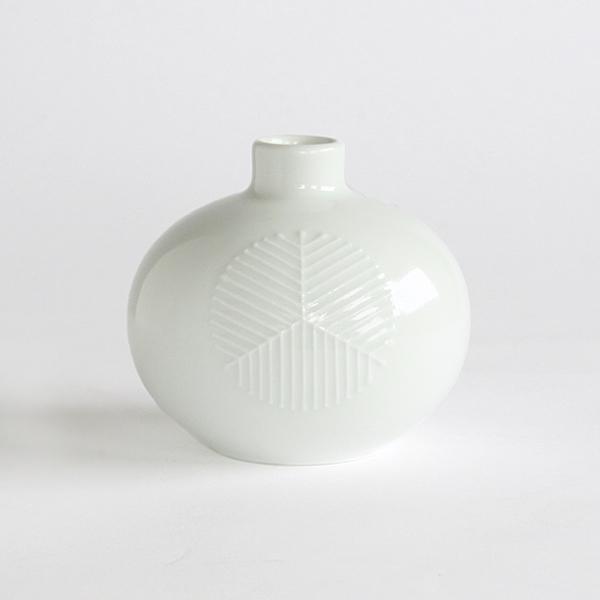 まゆ花瓶(松葉紋 白)