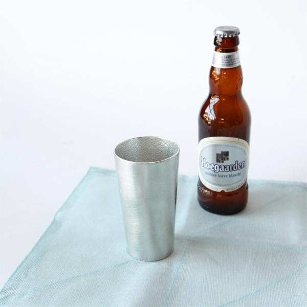 ご使用直前に冷蔵庫に入れて、キンキンに冷えた飲み物を楽しめます