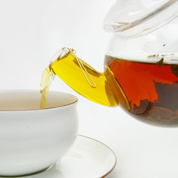 お茶の色や茶葉が漂う様子も楽しみながら、優雅なティータイムを(画像は旧仕様)