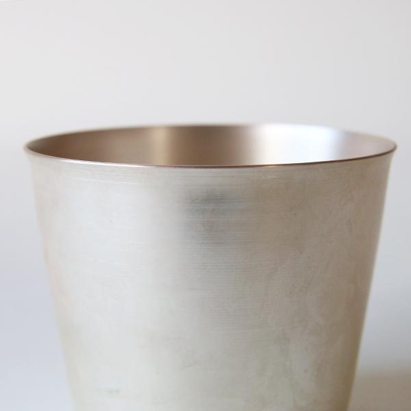 冷たい飲み物をより冷たく楽しめる、銅のカップ