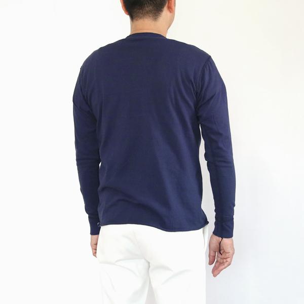 サイズ参考(男性モデル身長:180cm サイズ:L カラー:Navy)