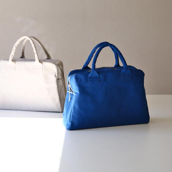 (左から)ブリーフケースミニ 灰白、藍