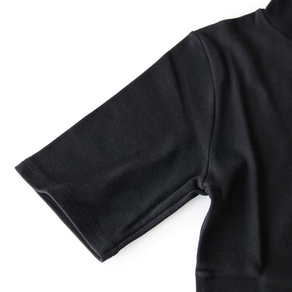 腕にフィットし、上品に見せる絶妙な袖形状(Noir)
