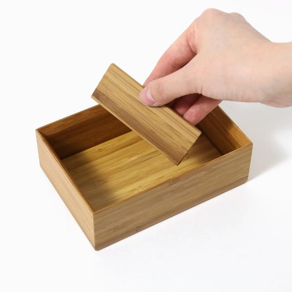 仕切り板は取り外したり、好きな位置にセットできます
