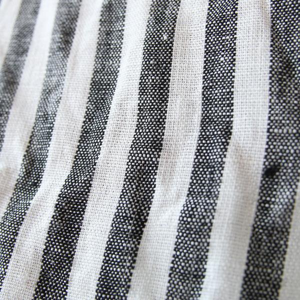 リネン素材は使い込むほど皮革のように柔らかく馴染んでいきます