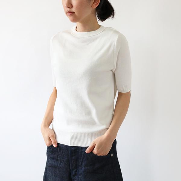 女性着用イメージ(身長:158cm、着用サイズ:XS、Latte)