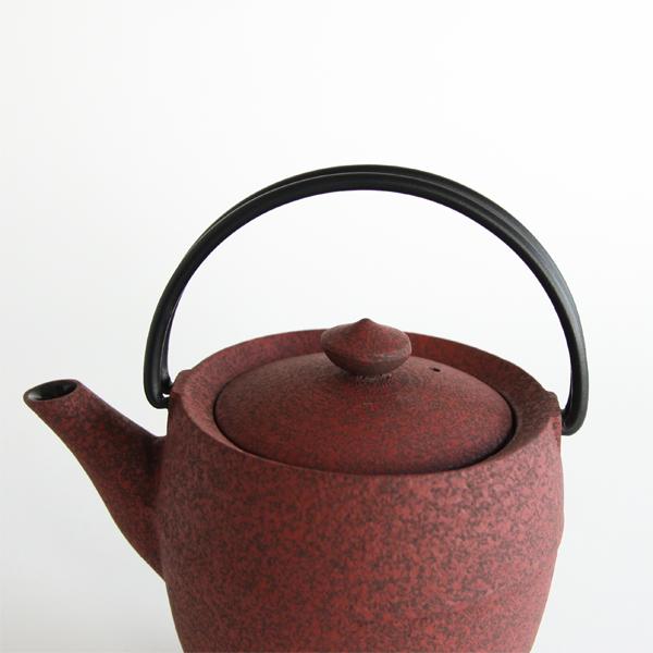 伝統の技とデザイナーの想いを感じるティポット・丸筒・S(鉄)
