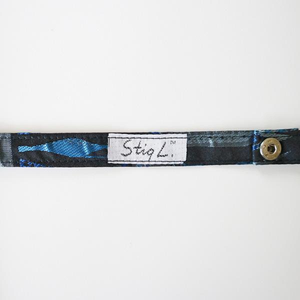傘を留める部分の裏側にはスティグ・リンドベリのサインのタグがついています。