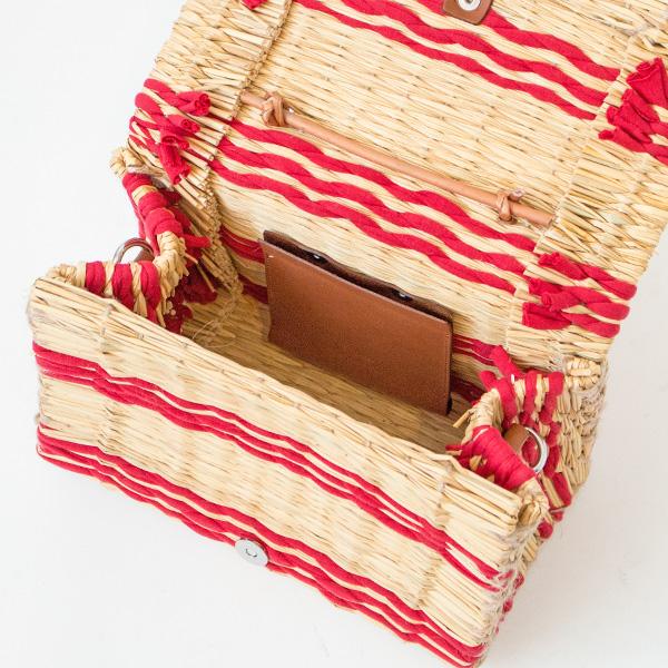 レザーのポケット付き/お財布と携帯と文庫本が入るサイズ