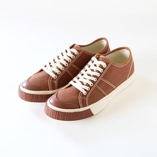 Low-cut sneakers