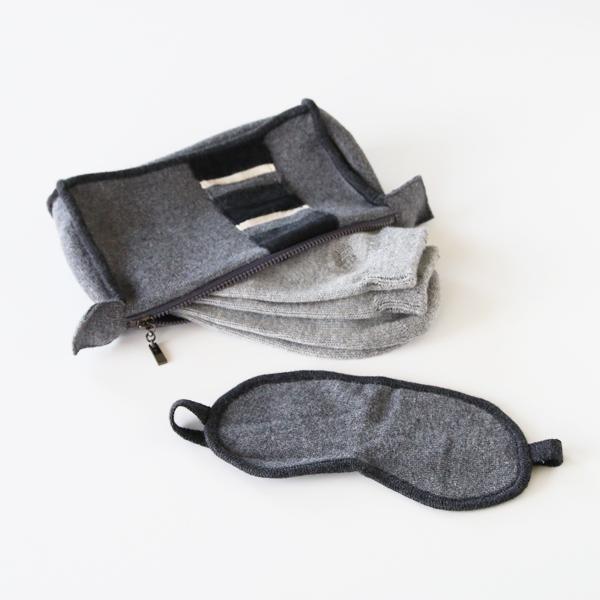 旅を快適に心地良くする、ヤク素材のアイマスク・靴下・ポーチの3点セット