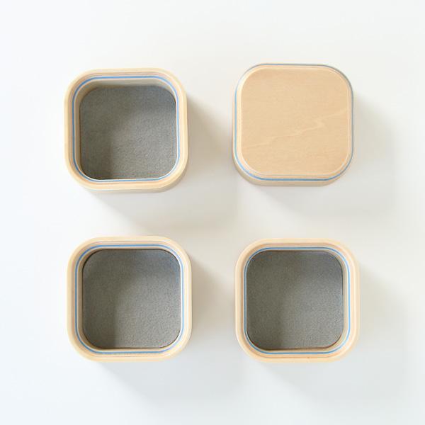tray 3+lidは、3つのトレイと蓋がセットになっています。