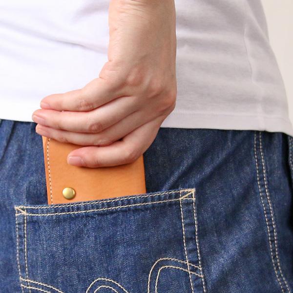 ポケットに入れてもかさばらないコンパクトなサイズ(CAMMELLO)