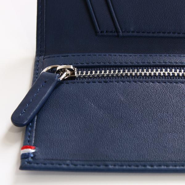 カードケース内側のファスナーポケット(NAVY BLUE)
