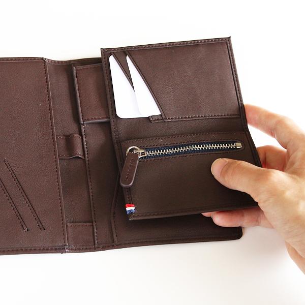 鍵ポケットにカードケース(別売)を連結させ、お財布としても活用できます