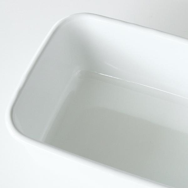 内側は汚れが落ちやすく、雑菌も繁殖しにくいつるつるのガラス質
