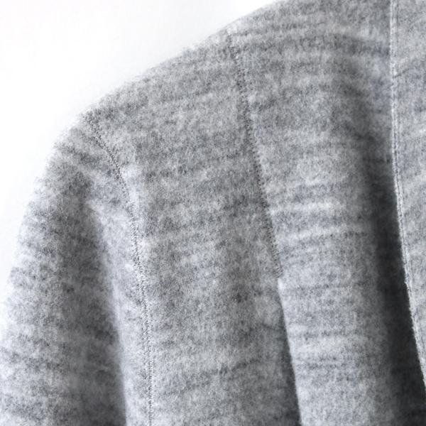 立体的に縫製された肩まわり