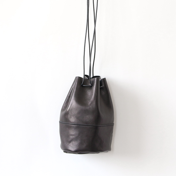 HORSE LEATHER DRAW STRINGS POUCH/S(巾着ショルダー)(BLACK)