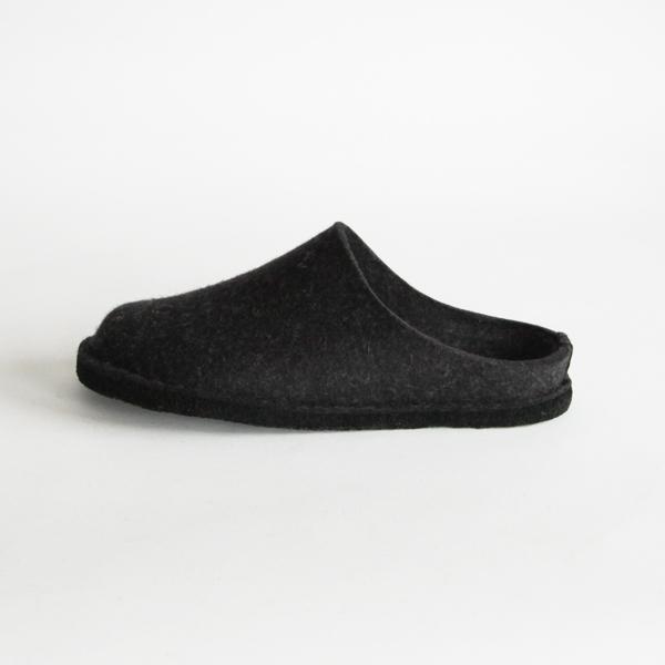 靴のようなしっかりとした成型