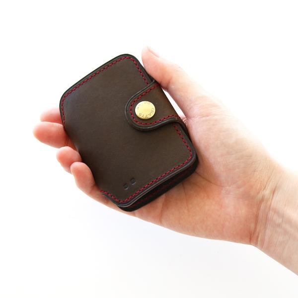 コロンとした形が可愛らしい、手のひらサイズのキーケース(OLIVE)