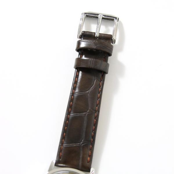カウレザーを使った型押しベルト