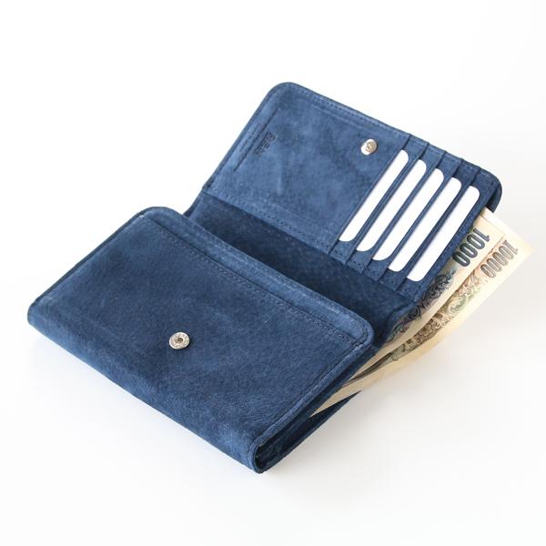 ボタンを開けたら、持ち変えることなくお札・カード・コインに同時にアクセスできます